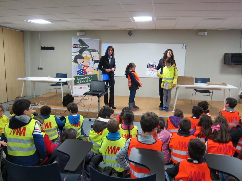 Metro de Málaga fomenta el transporte público entre escolares a través del programa Metro School