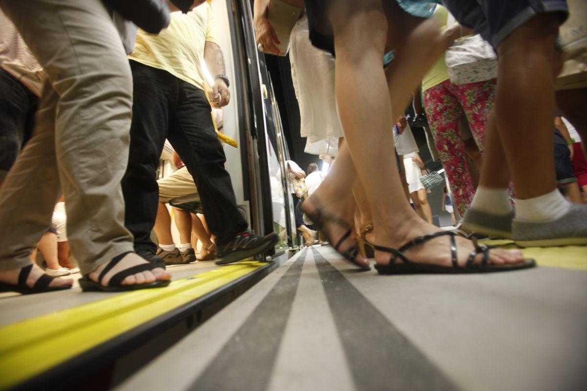 López anuncia que el Metro de Málaga cumple sus previsiones y transporta 5 millones de usuarios en su primer año