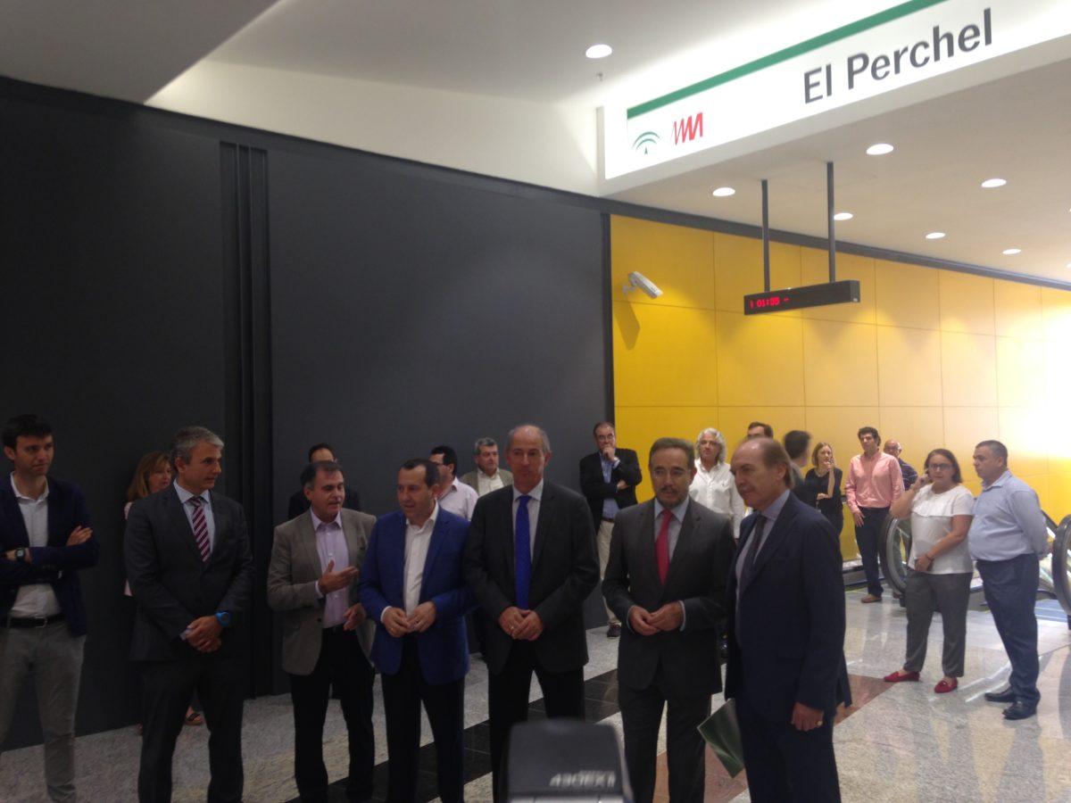 Abierta la conexión directa entre los vestíbulos de las estaciones de metro y ferrocarril en El Perchel-María Zambrano